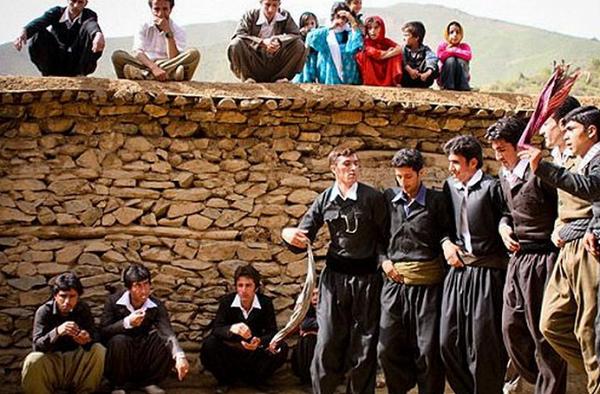لباس محلی کردستان2