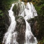 با گروه کتیوک در آبشار بتلیم ( کلیره ) بندپی شرقی(فرستاده شده از:حیدر آقاگلی)