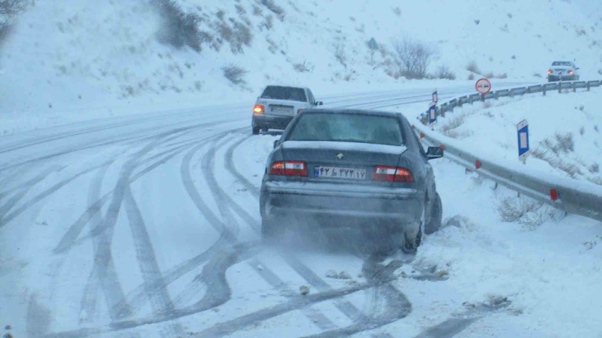 توصیه هایی برای رانندگی در برف و باران