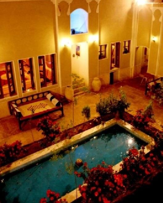 هتل سنتی کوروش یزد1