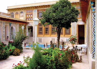 عمارت فروغ الملک (موزه هنر مشگین فام )- شیراز