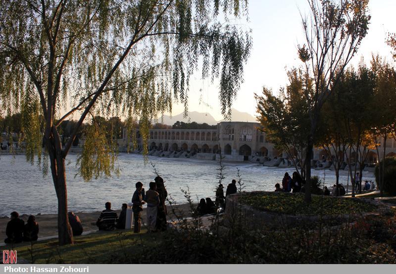 خوشا اصفهان و زاینده رودش