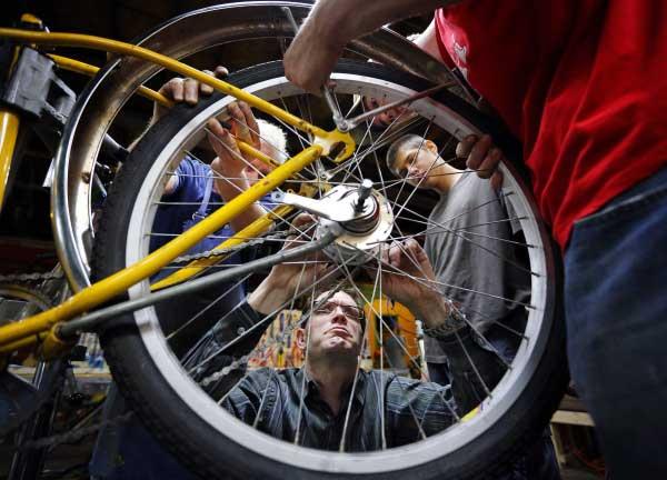 ملزومات سفر با دوچرخه و لوازم یدکی و ابزارهای مرتبط