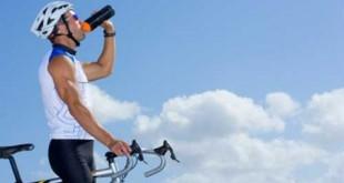 ملزومات سفر با دوچرخه و مواد غذایی و آب