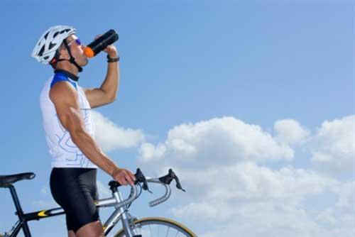ملزومات سفر با دوچرخه | مواد غذایی و آب