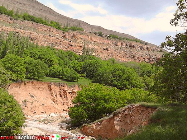 رودخانه آرام روستای ریزه فاروج2