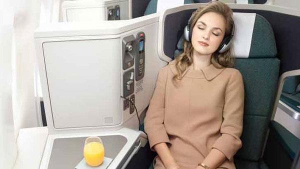 این 5 چیزی را در هواپیما نباید پوشید