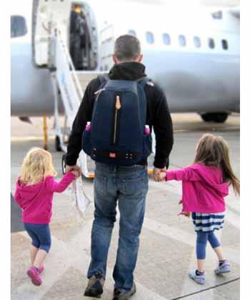چگونه با دوقلوها به سفر هوایی برویم؟