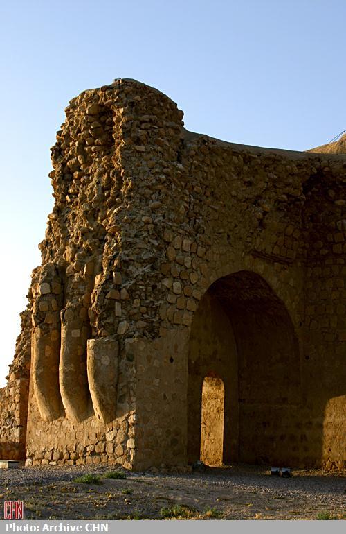 کاخ ساسانی سروستان3
