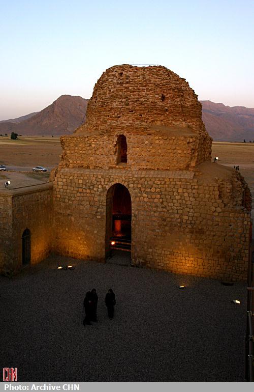 کاخ ساسانی سروستان4